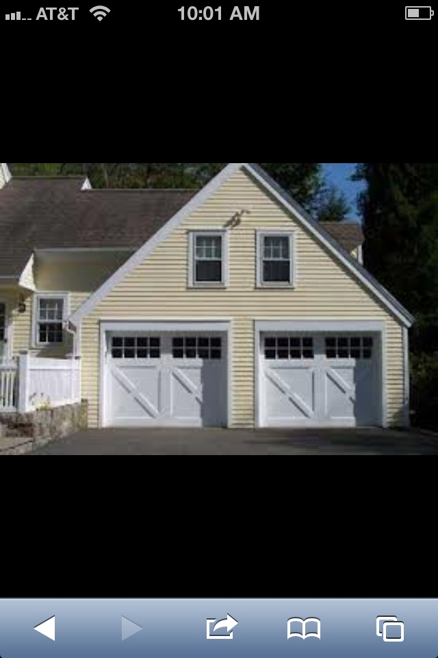 Farm house style garage doors farm homes and ideas for Farmhouse garage doors