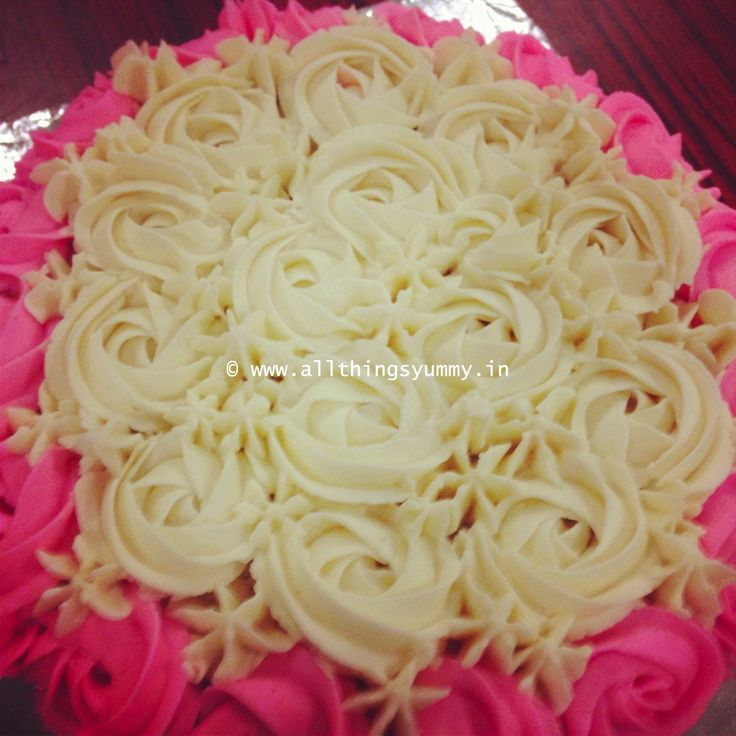 Cakes Decor Rosettes - A White and Pink Rosettes Decor Cake | All Things Yummy #allthingsyummy #pink #rosettes #cake #icing #buttercream