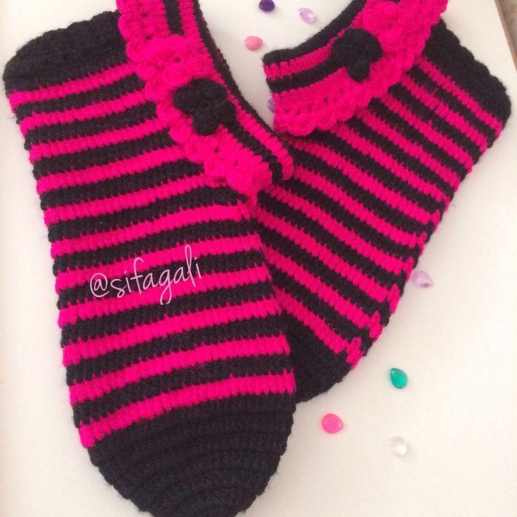 Bitmişse 💗💗siyah serimizin üçüncüsü 🖤🖤🖤 #patik #patikmodelleri #patiklerim #çetik #ceyiz #ceyizhazirligi #ceyizlik #ceyizim #çeyiz #ceyizalisverisim #ceyizimincicileri #ceyizhazirliklari #ceyizonerisi #ceyizaski #homesocks #evbotu #evayakkabisi #lucky #crochet #crochetlove #crocheting #crocheted #crochetaddict #crochetlife #crochetslippers #womanslippers #madame #madamecoco #englishhome @nt64 bitmiş hali ☺️☺️☺️