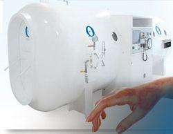 La OHB es un tratamiento que brinda grandes beneficios en casos de quemaduras de primero, segundo y tercer grado, ya que acelera el proceso de cicatrización, reduce en riesgo de infecciones entre otros beneficios