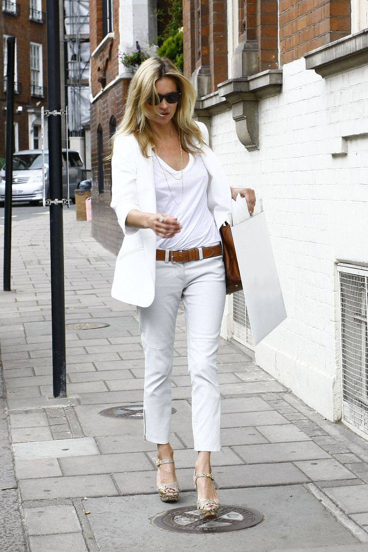 : White Blazers, Brown Wedges, Street Style, White Outfits, Katemoss, Kate Moss, Style Tips, My Style, Black Blazers