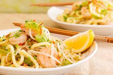 Stir-fried hokkien noodles with chilli prawns and lemongrass – Recipes – Bite