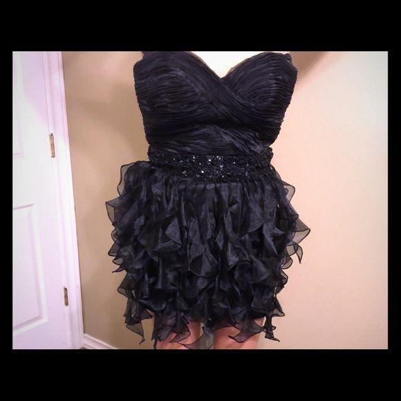 Sherri hill dress Size 6 Sherri hill black dress, great for homecoming or prom Sherri Hill Dresses Strapless