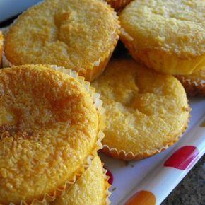 """Queijadas de coco e leite condensado: Inspirada pela minha amiga C., que por sua vez se tinha isnpirado no blog """"Doces temperos"""", saíram umas belas e rápidas queijadinhas de coco ..."""