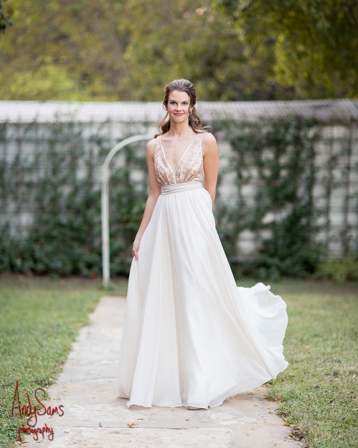 Bridal Portraits at Carrington Crossing Buda Texas Truvelle Wedding Dress @truvellebridal #truvelle #bridalportrait #carringtoncrossing #budatx