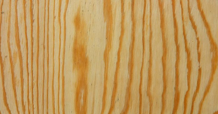Como cortar compensado. Compensados são um derivado de madeira usado para fabricação de armários e prateleiras por conta de sua resistência a deformações. Constituído de diversas camadas de madeira muito finas prensadas em diferentes direções, o compensado aguenta variações de umidade e temperatura. Para cortá-lo, siga as dicas abaixo que evitarão que se soltem farpas.