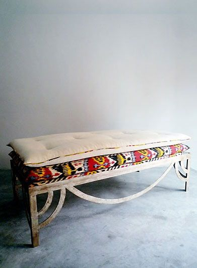 What a great window seat! Kilim, rustic + modern = love!: Benches Ottomans Stools, Kilim Bench, Bay Window, Awesome Bench, Home Decor Ideas, Ixelles Bench, Outdoor Benches, Bench Dyi, Furniture
