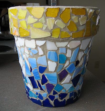 mosaic a terracotta pot how-to - I think I might try to make a few of these to appease my (probably not-so-smart) desire to do it on the front steps.