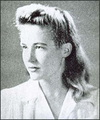 WASHINGTON -- Conspiracy theorists who question President John F. Kennedy's assassination in 1963 have, over the years, become obsessed with another murder. On Oct. 12, 1964, socialite and artist Mary Pinchot Meyer, a longtime Kennedy ............ http://www.huffingtonpost.com/2012/04/19/mary-pinchot-meyer-jfk-mistress-assassinated_n_1434191.html