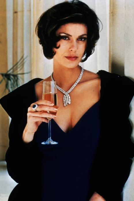 Teri Hatcher (Tomorrow Never Dies - 1997)