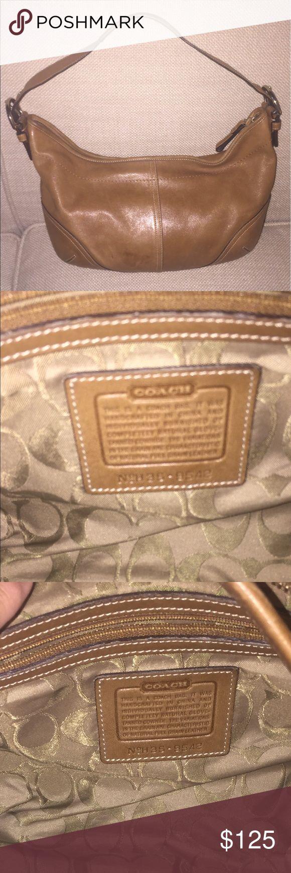 Coach Handbag! Looks New! Coach Handbag!! Looks New! Excellent buy! Coach Bags Shoulder Bags