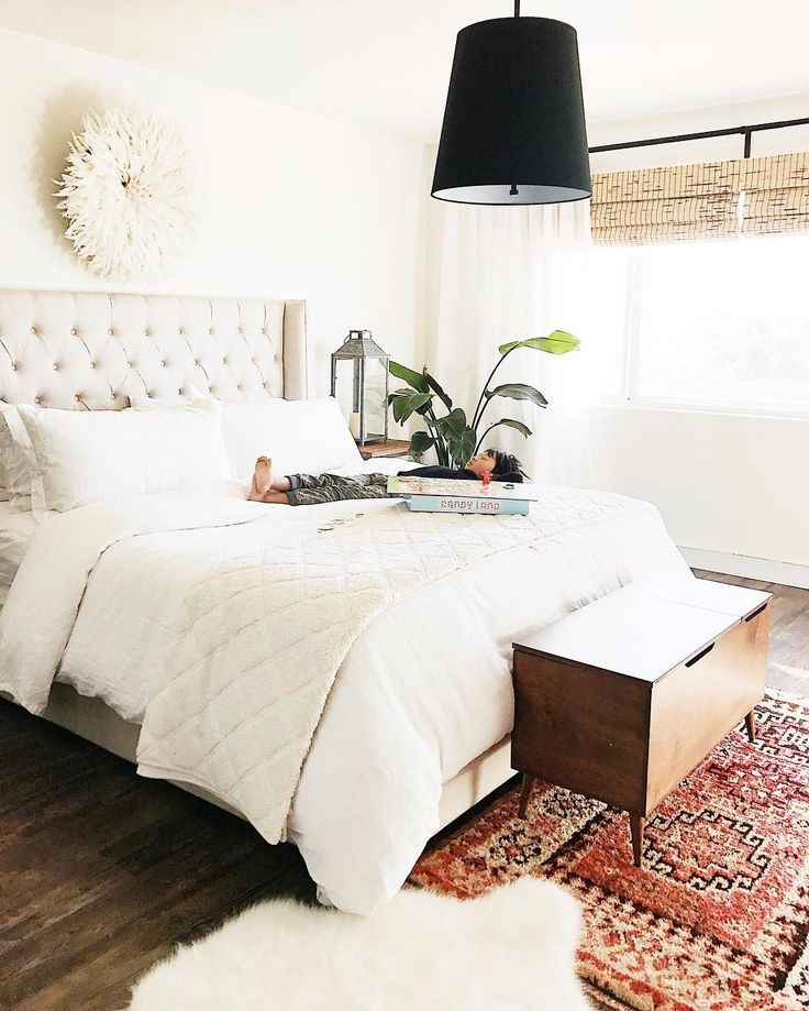 25+ Best Ideas About Above Bed On Pinterest