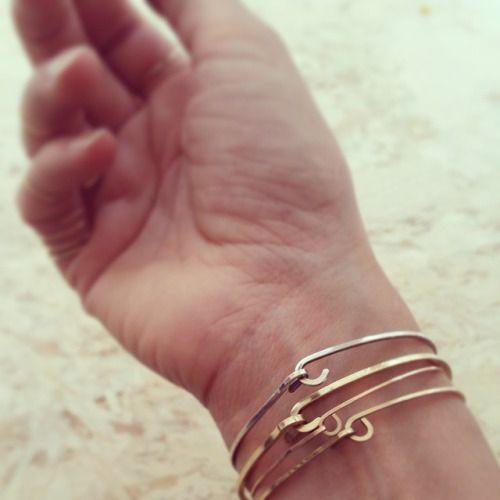 C'mon over n I'll hook you up #takemyhand #bonbonboutique #jewelry #bracelets #goldfill #rosegoldfill #sterlingsilver #handmade #amsterdam #hookitup  (bij BonBon Boutique)