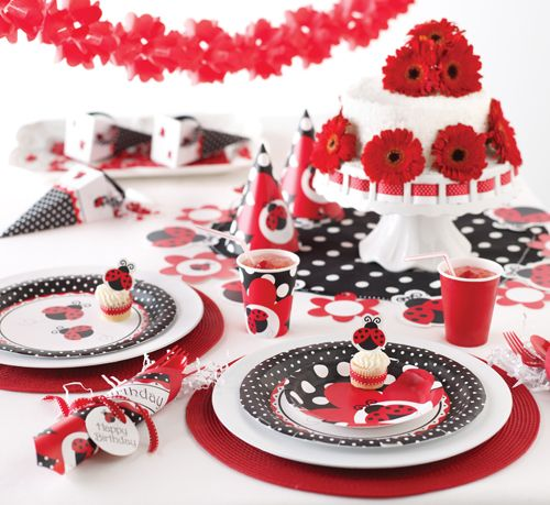 I can't get enough of this design! Ladybug themed birthdays are super popular this summer!