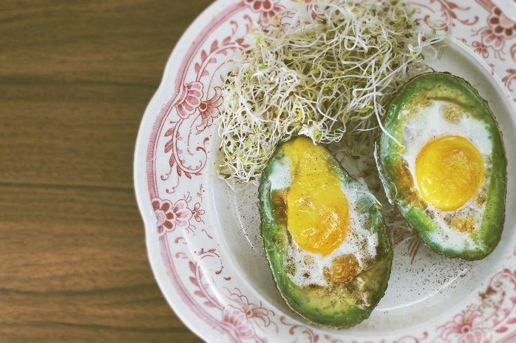 Egg, avocado paleo breakfast