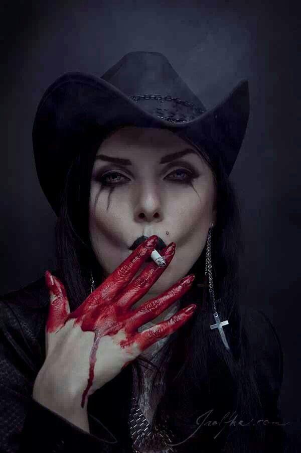 gothic vampire bloody girl - photo #17