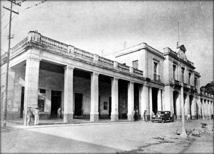 Edificio de la delegación de Tlalpan.  Foto tomada probablemente en el año de 1930.