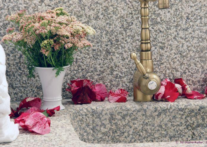 pink blossoms, bathroom decoration