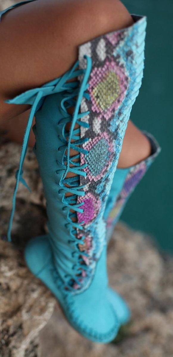 Boho boots en piton azul combinado en colores