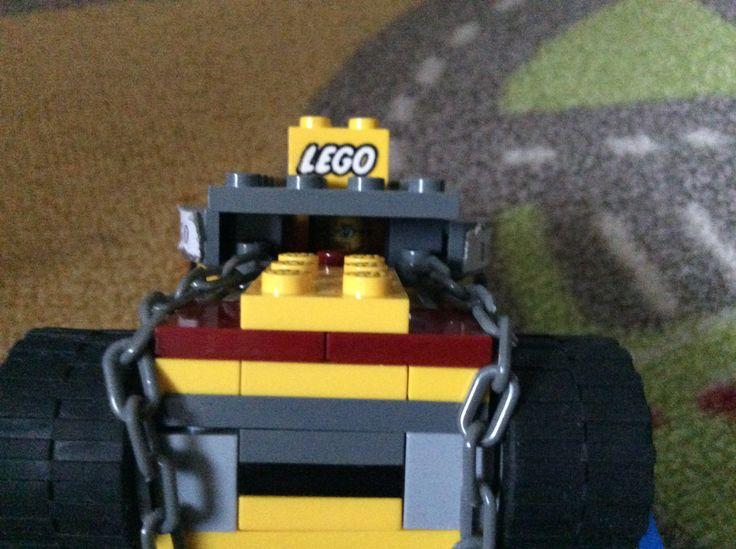 Lego bago nr. 4 savers car picture 2