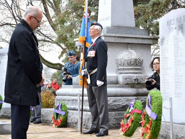 INQUINTE.CA | PHOTO GALLERY: Belleville remembers its veterans