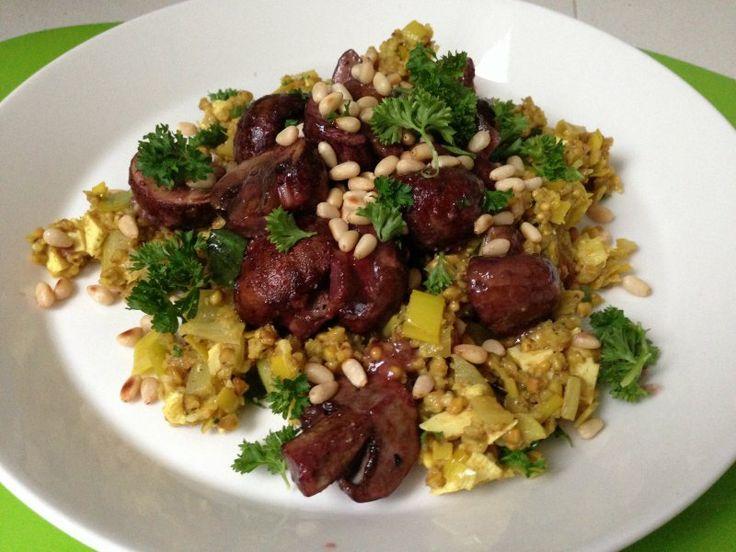 Voor 4-6 personen Tijd: 30 minuten  Opmerking van deVegetariër-redactie: Onderstaand recept wijkt af van het recept 'eenvoudige risotto' in De dikke vegetariër. De smaakmakers in deze