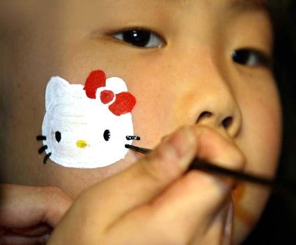 Small Hello Kitty Face Paint