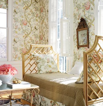 Maybe I'm just getting excited about going to Charleston, but I adore this friggin' wallpaper!