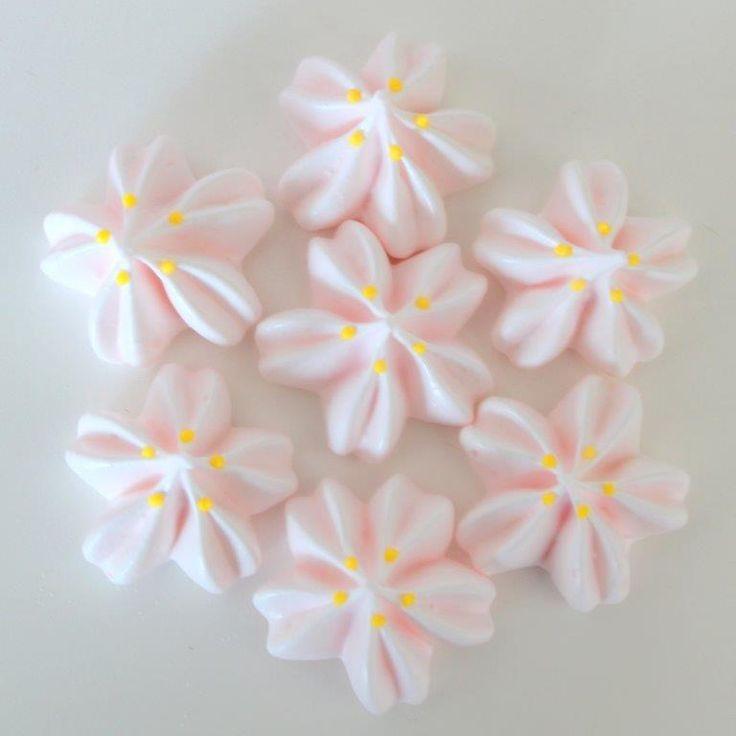 桜のメレンゲキス|~Cookie Crumbs~クッキー・クラムズのアイシングクッキー