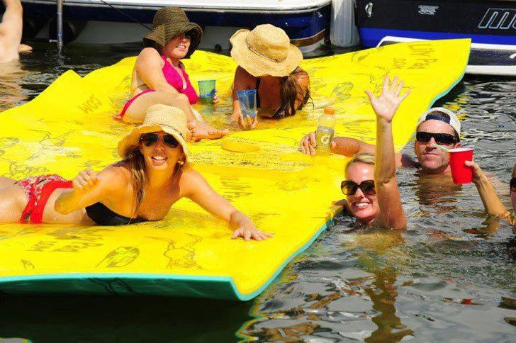 """Sunbathing and water all around you, sounds like my dream Sunday summer afternoon. With some incredible innovation out there in the world, this Floating Foam Pad wins the title of the best summer """"family fun"""" product. Check it out ☝☝☝"""