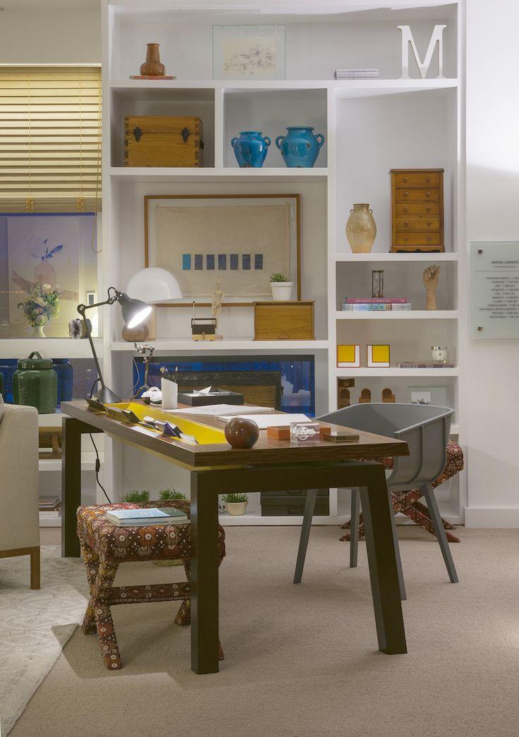 O toque pessoal em um ambiente de trabalho refresca o espaço com cores e alegria.