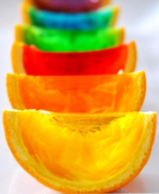 Rainbow color orange peel wedge Jell-O shots (¯`'•.¸de l'arc-en ...