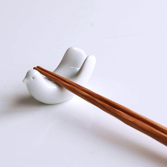 hakusan porcelain chopstick rest designed by mori masahiro