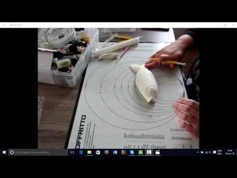 Learn How To Make a Fondant Fish from rimmascakes.com.au
