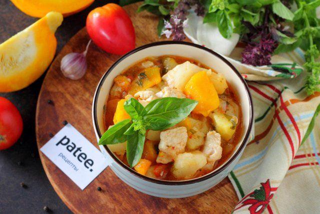 Овощное рагу с курицей и тыквой