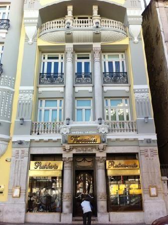 Avenida da República, n.º 15 A, Lisboa.