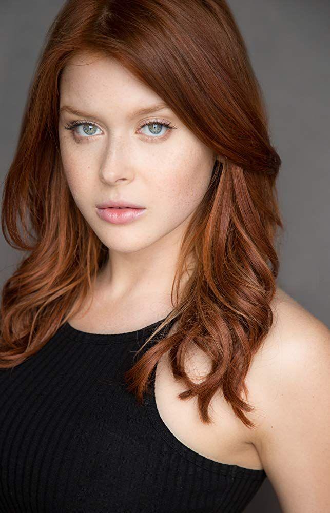 Renee Olstead In 2020 Renee Olstead Renee Redheads