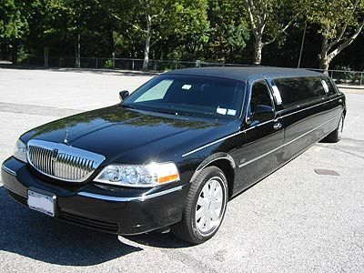 Houston limousine services for occasions, airport limo, Cruise transportation, Corporate transfers, Houston wedding limo services, party bus, group travel,   Houston limo services.