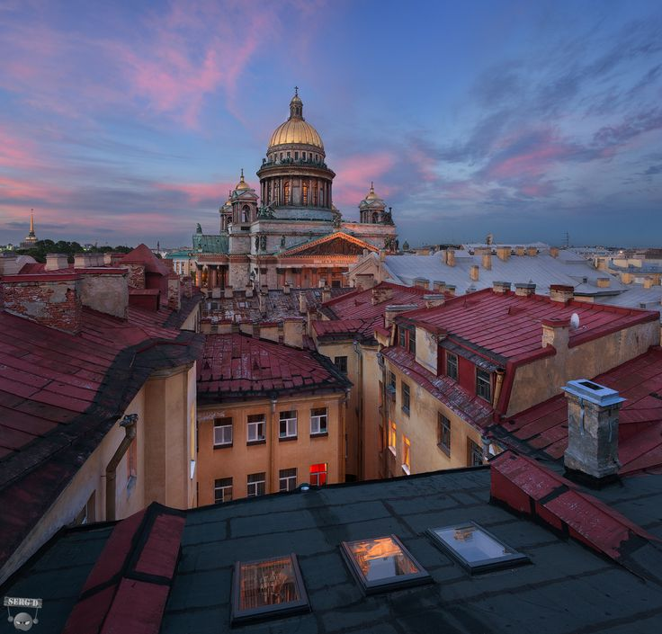 thebeautyofrussia:  At the roof of Saint Petersburg, Russia by Serg D