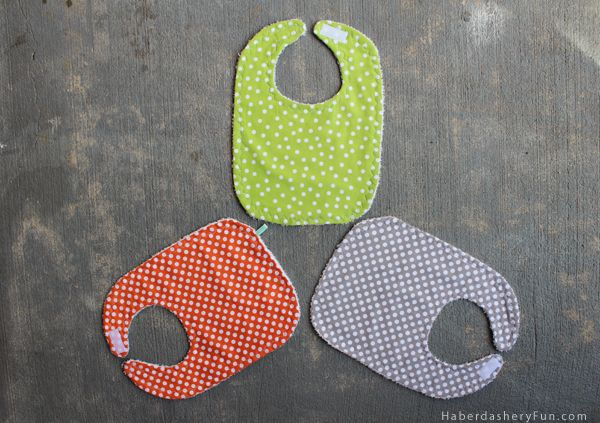 how to make no sew baby bibs