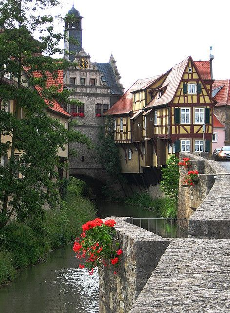 I love this German architecture   Picturesque bavarian town of Marktbreit / Germany