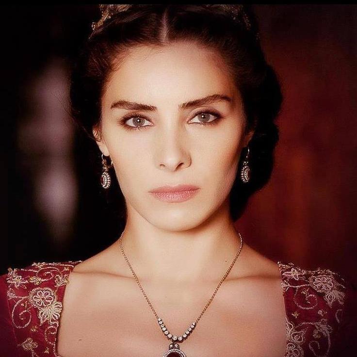 Turkish Actress: Nur Aysan