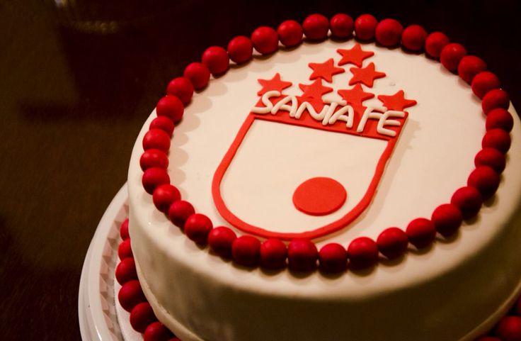 Torta para HINCHAS DE SANTAFE #cake #santafe #chocolate #torta #vainilla #handmade #artesanal