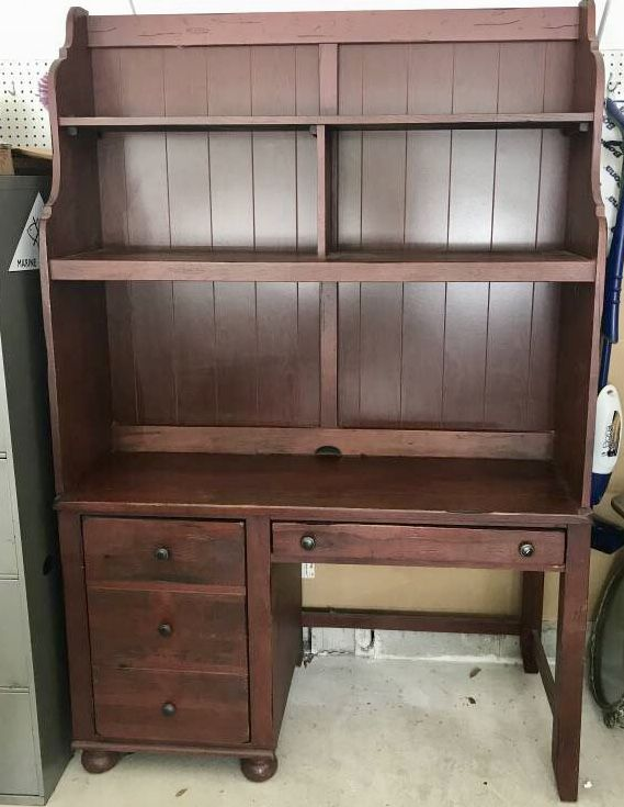 Broyhill Attic Heirlooms Desk With Top In Red Stain Broyhill Furniture Collection Shelves