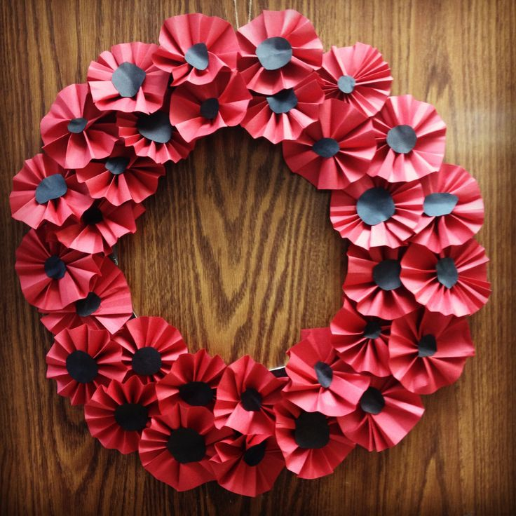 Remembrance Day Poppy Wreath Elementary school art project