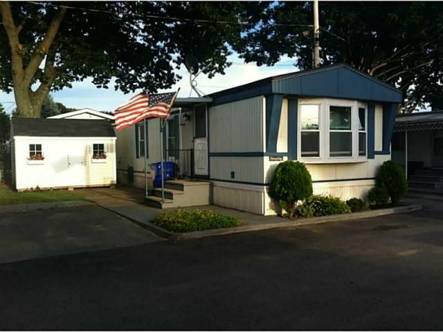 660 10 Beverage Hill Ave Pawtucket RI Is A 616 Sq Ft 2 Bed 1 Bath Home Sold In Rhode Island