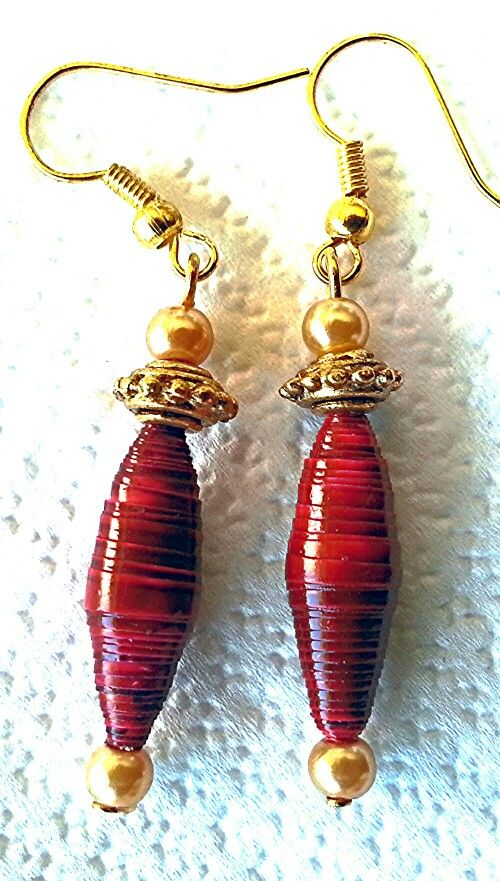 More paper bead earrings! !!lovely! !!: http://www.ebay.com.au/itm/Gold-toned-red-paper-bead-and-glass-pearl-dangle-earrings-/300925553054