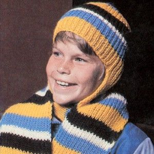 Knitting Pattern For Hat With Scarf Attached : 17 Best images about Hooded Scarves on Pinterest Hooded scarf pattern, Rave...