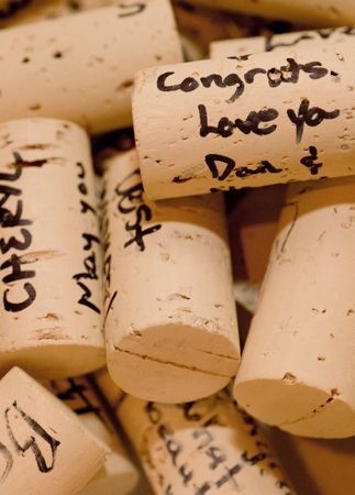 Wine cork wedding guest book. Click to view 10 amazing wedding guest book ideas and alternatives you must see! | The Pink Bride www.thepinkbride.com