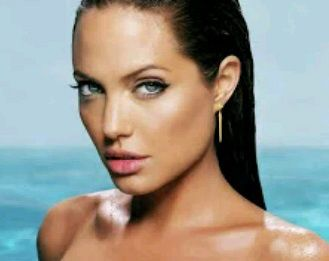 OMG!!! Angelina Jolie Loses Her Ovaries And Fallopian Tubes